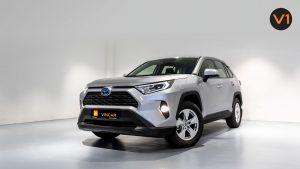 Toyota RAV4 2.5 GX Hybrid - Front Angle 2