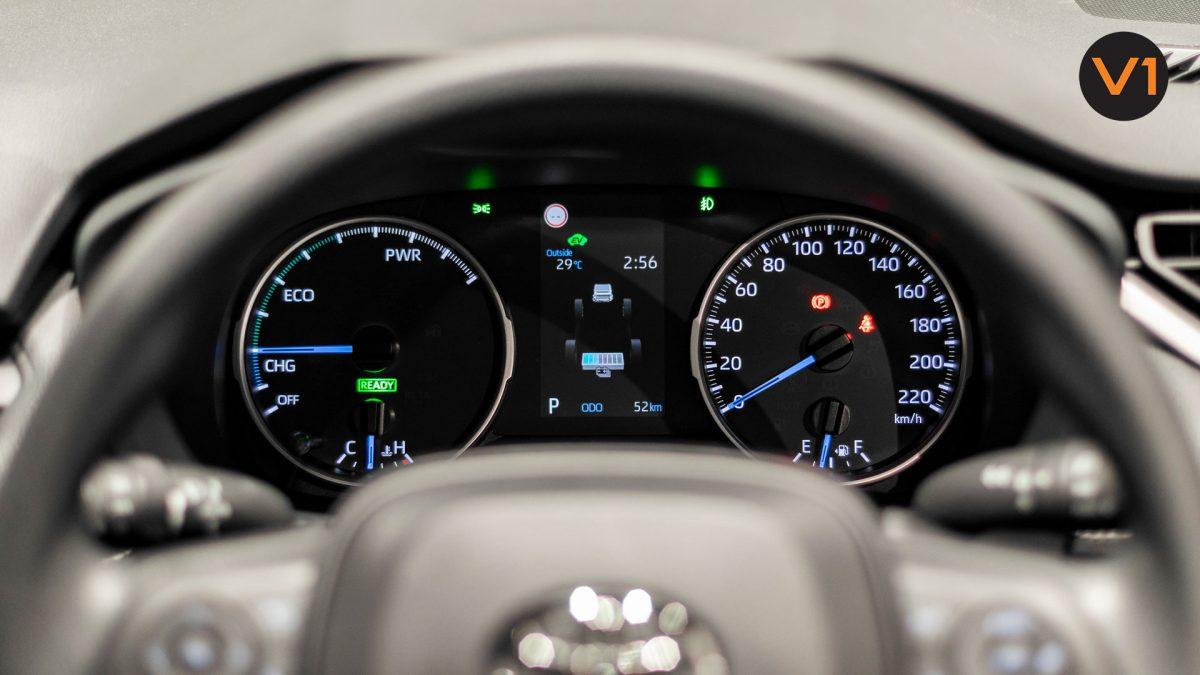 Toyota RAV4 2.5 GX Hybrid - Instrument Cluster