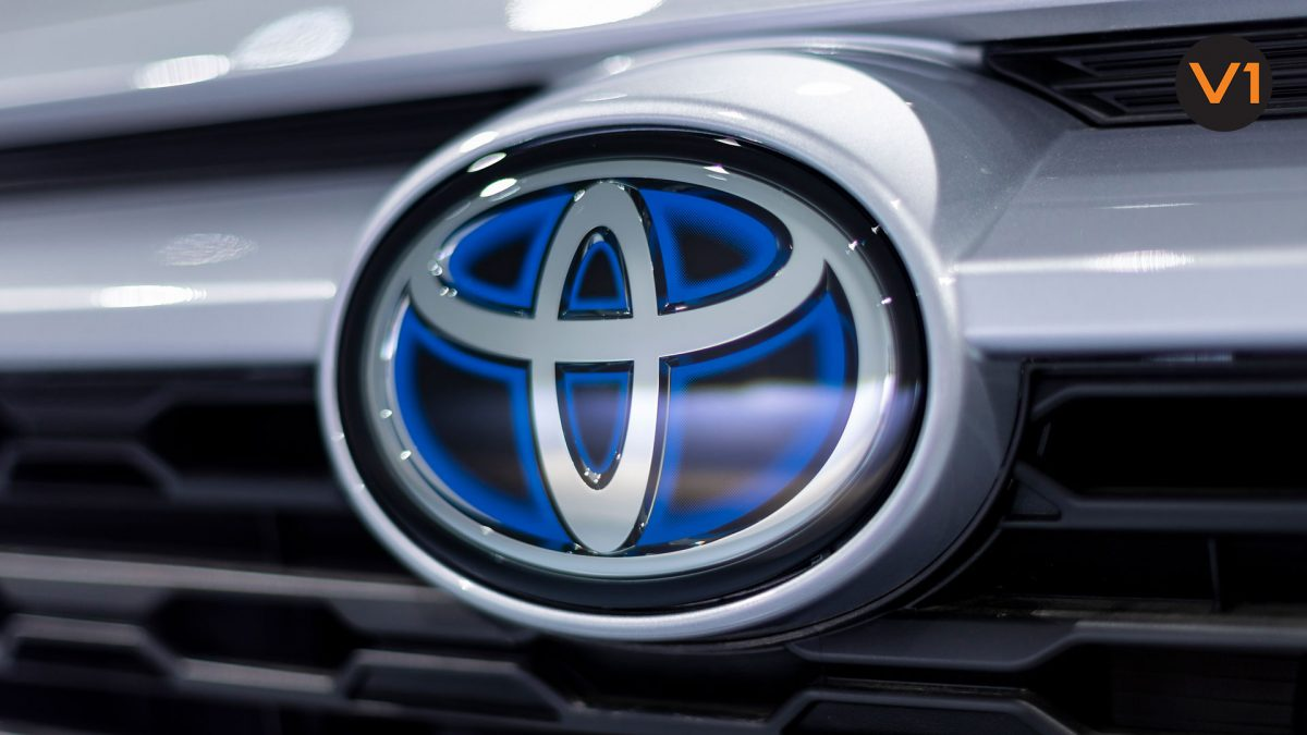 Toyota RAV4 2.5 GX Hybrid - Toyota Badge