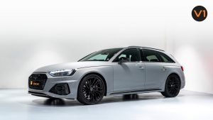 AUDI RS 4 AVANT - Front Angle