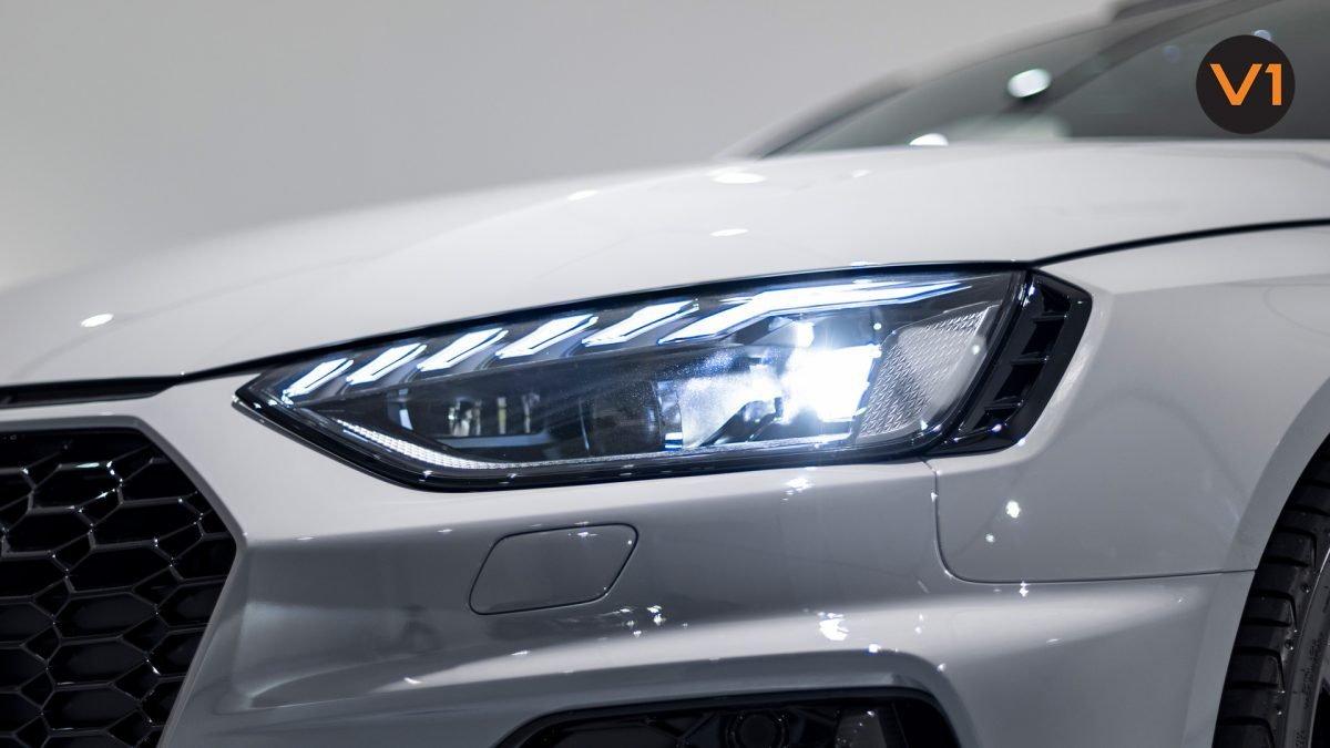AUDI RS 4 AVANT - Headlight
