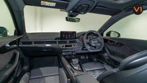 AUDI RS 4 AVANT - Interior Dash 2