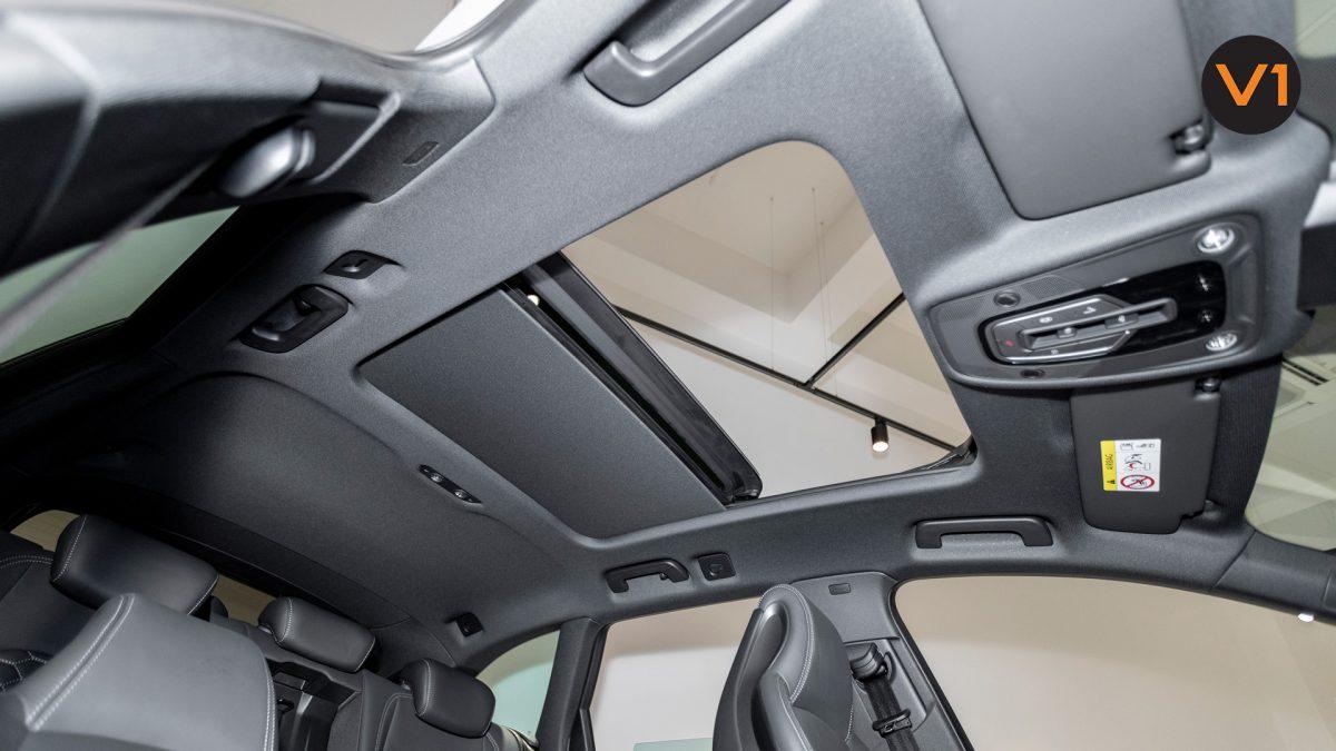AUDI RS 4 AVANT - Panoramic glass sunroof