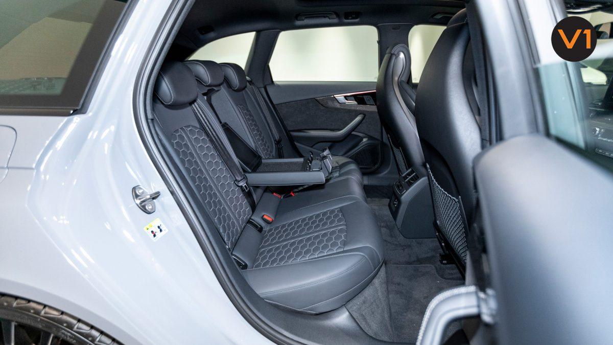 AUDI RS 4 AVANT - Rear Passenger Area