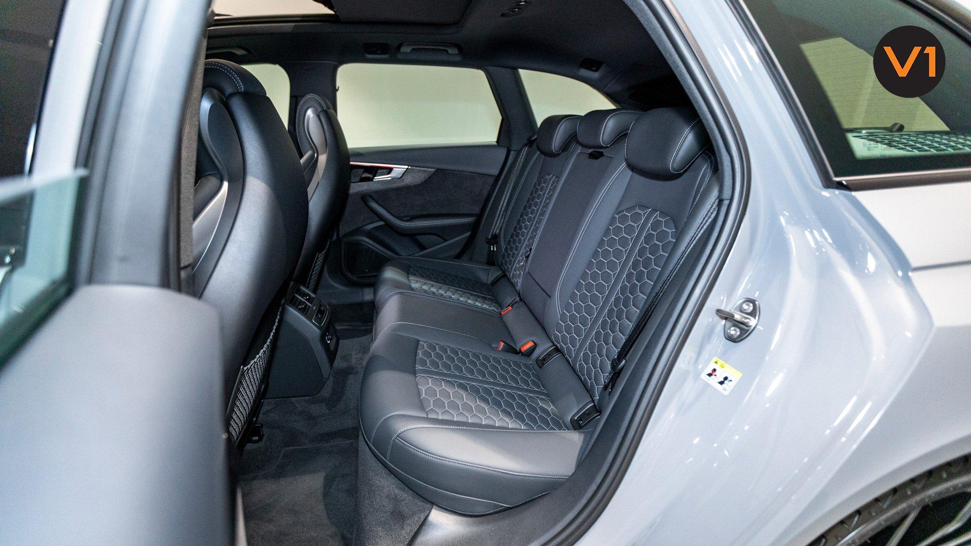 AUDI RS 4 AVANT - Rear Passenger Area 2