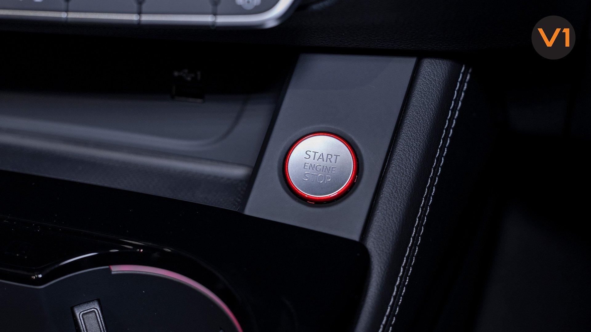 AUDI RS 4 AVANT - Start_Stop Engine