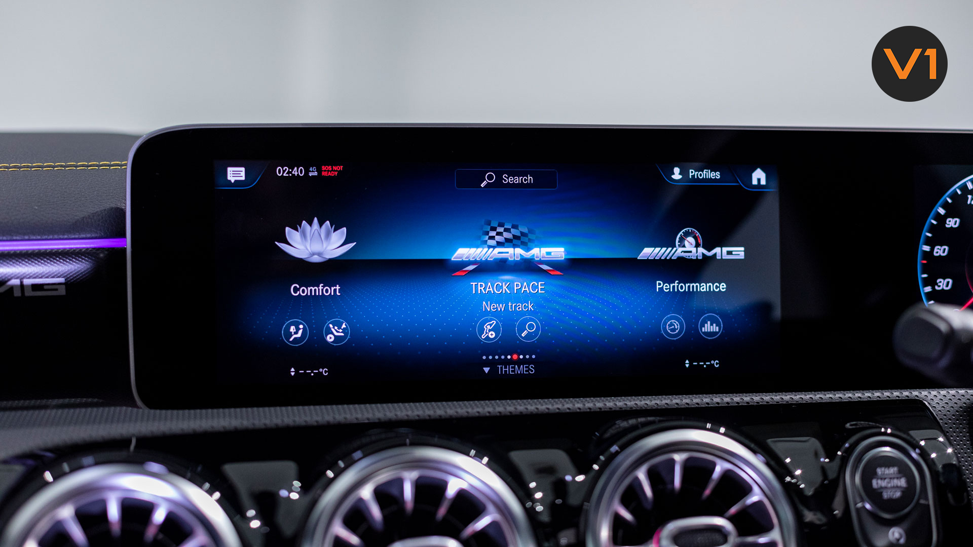 Mercedes-AMG CLA45 S Coupe AMG 4MATIC+ Plus - Media Display