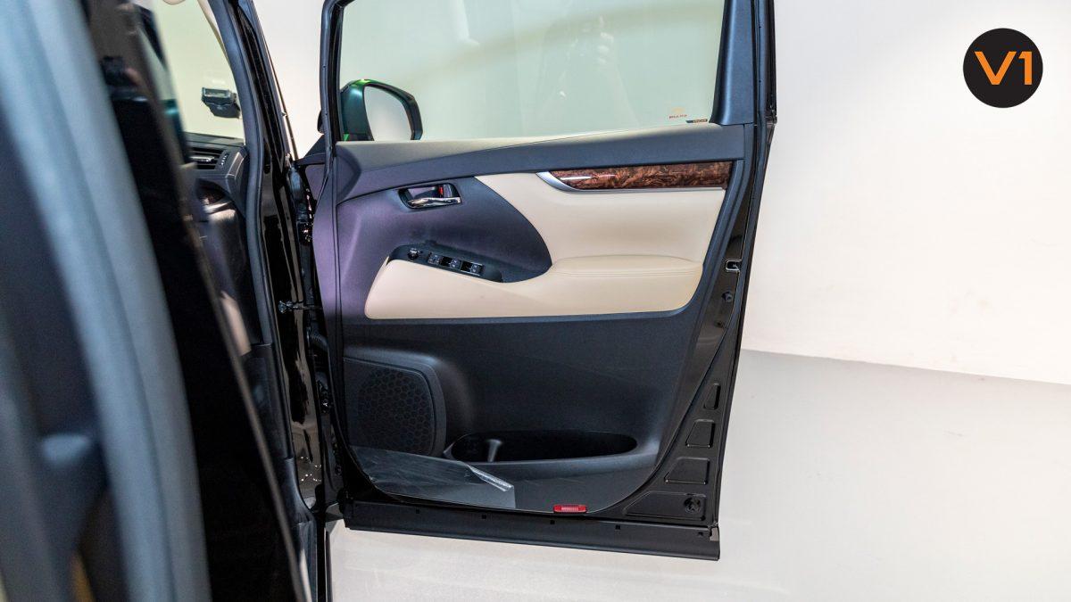 Toyota Alphard 2.5X Hybrid 7-Seater (FL2020) - Front Door