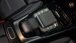 Mercedes-AMG CLA35 Coupe AMG 4Matic Premium Plus - Center Console