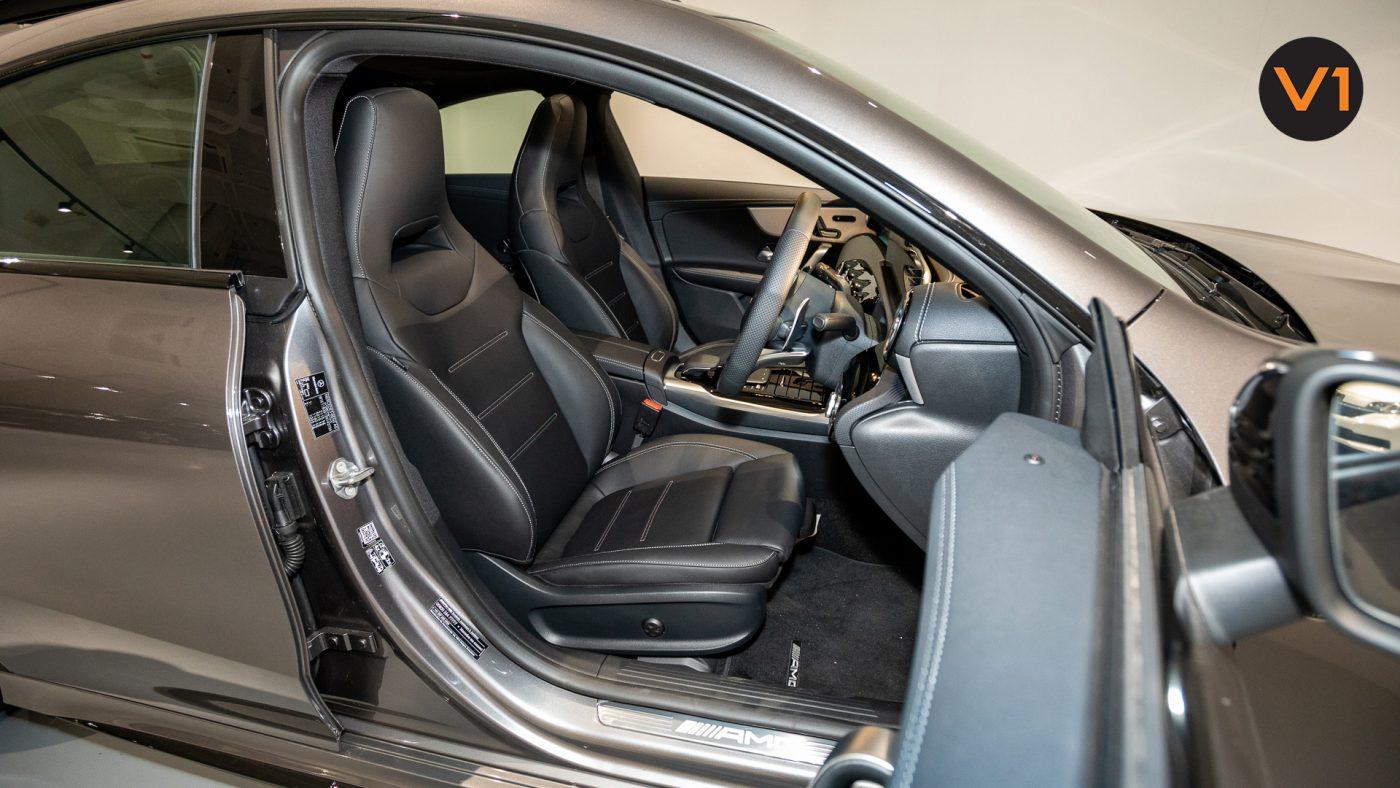 Mercedes-AMG CLA35 Coupe AMG 4Matic Premium Plus - Driver Seat