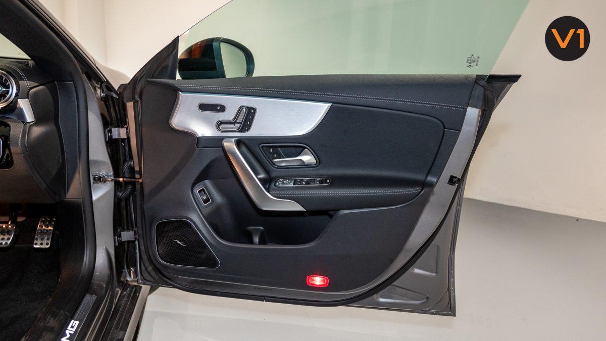 Mercedes-AMG CLA35 Coupe AMG 4Matic Premium Plus - Front Door