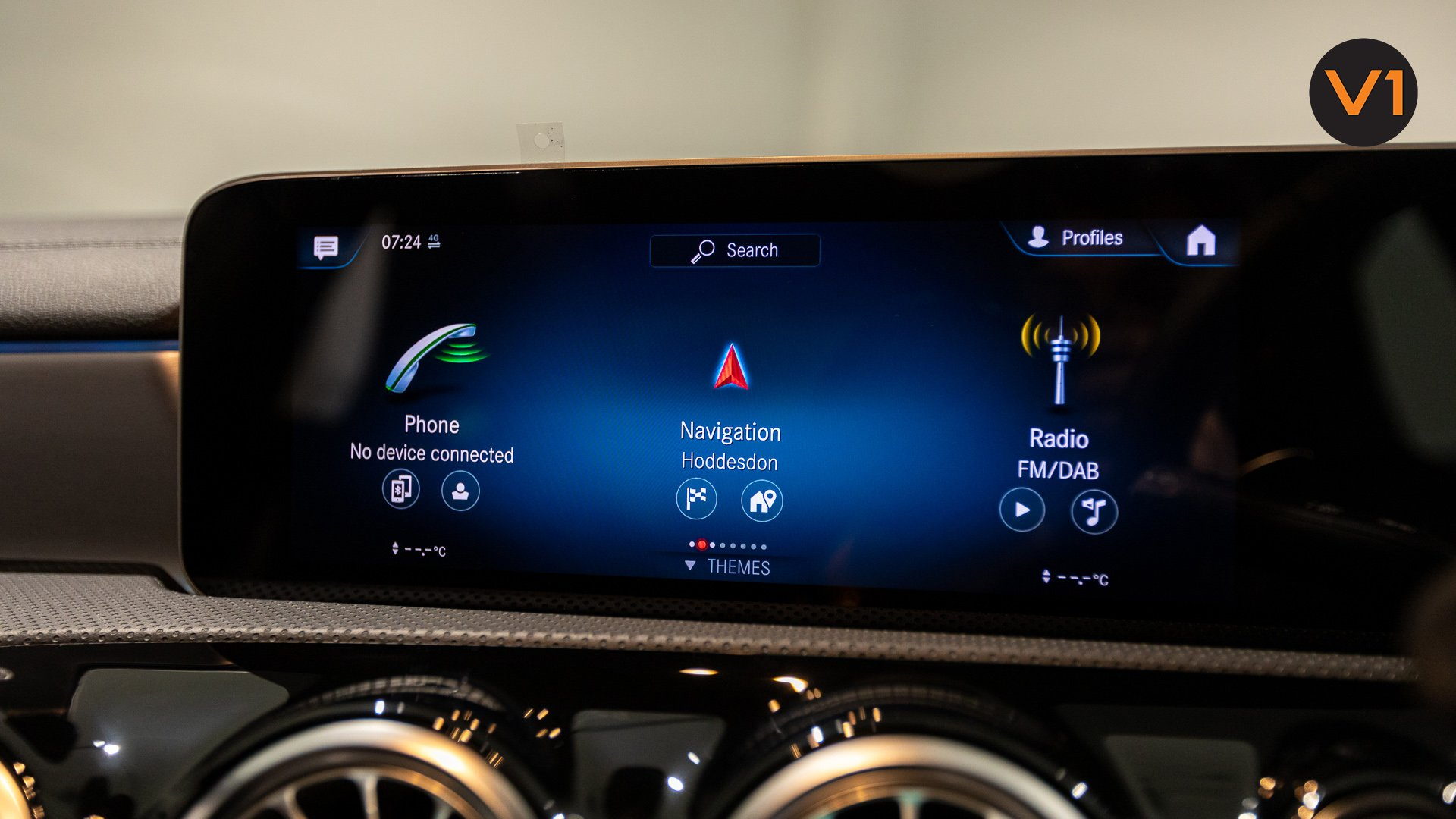 Mercedes-AMG CLA35 Coupe AMG 4Matic Premium Plus - Screen Display