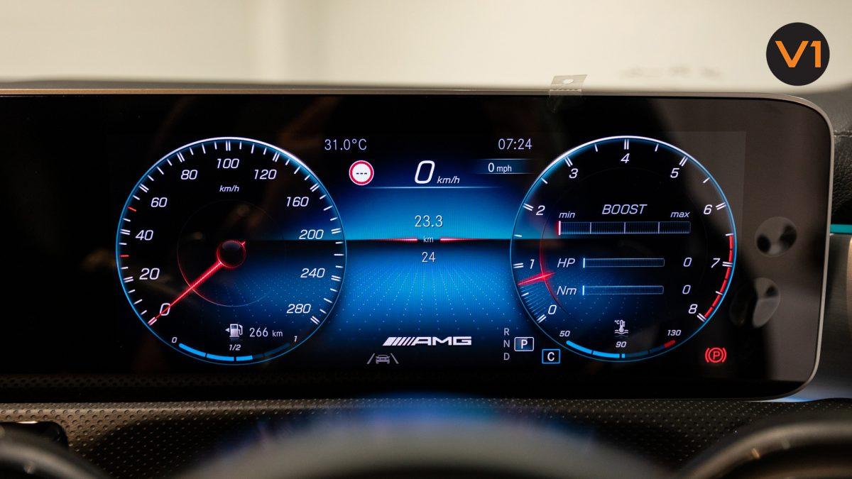 Mercedes-AMG CLA35 Coupe AMG 4Matic Premium Plus - Speed Meter