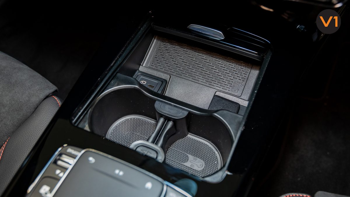 Mercedes-Benz A180 AMG Executive - Cup Holder