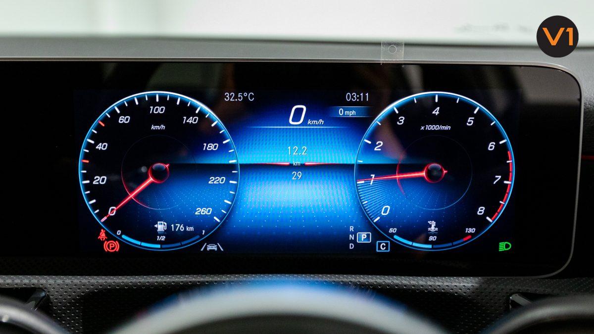 Mercedes-Benz A180 AMG Executive - Instrument Cluster