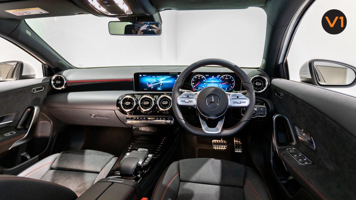 Mercedes-Benz A180 AMG Executive - Interior Dash