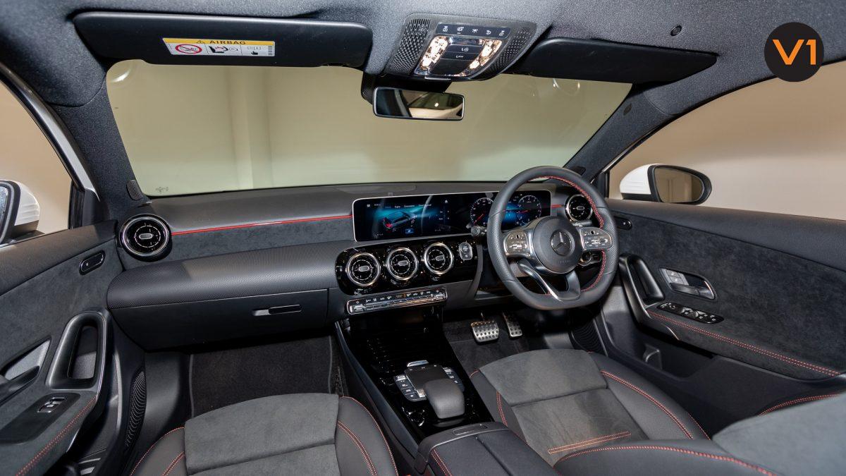 Mercedes-Benz A180 AMG Executive - Interior Dash 2