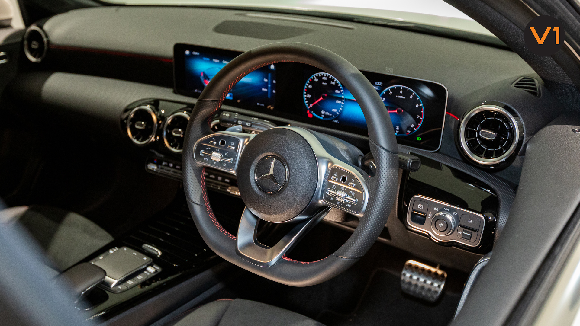 Mercedes-Benz A180 AMG Executive - Steering Wheel-1
