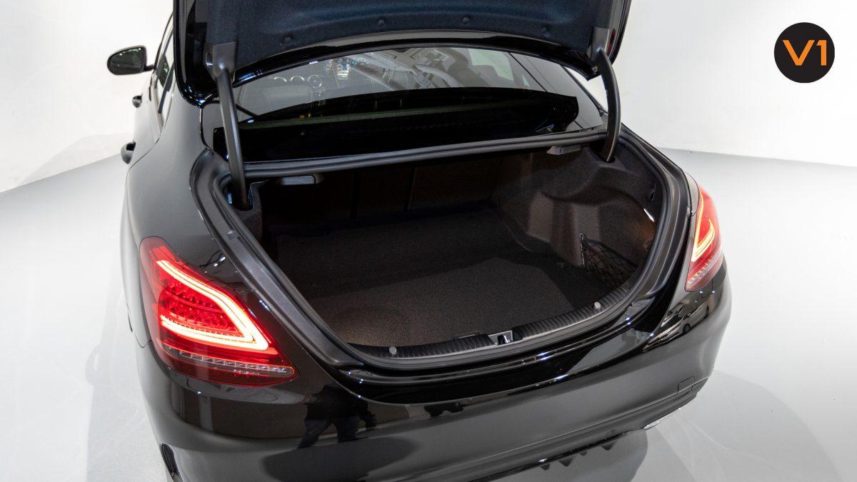 Mercedes-Benz C200 Saloon AMG Premium Night Edition - Boot Space