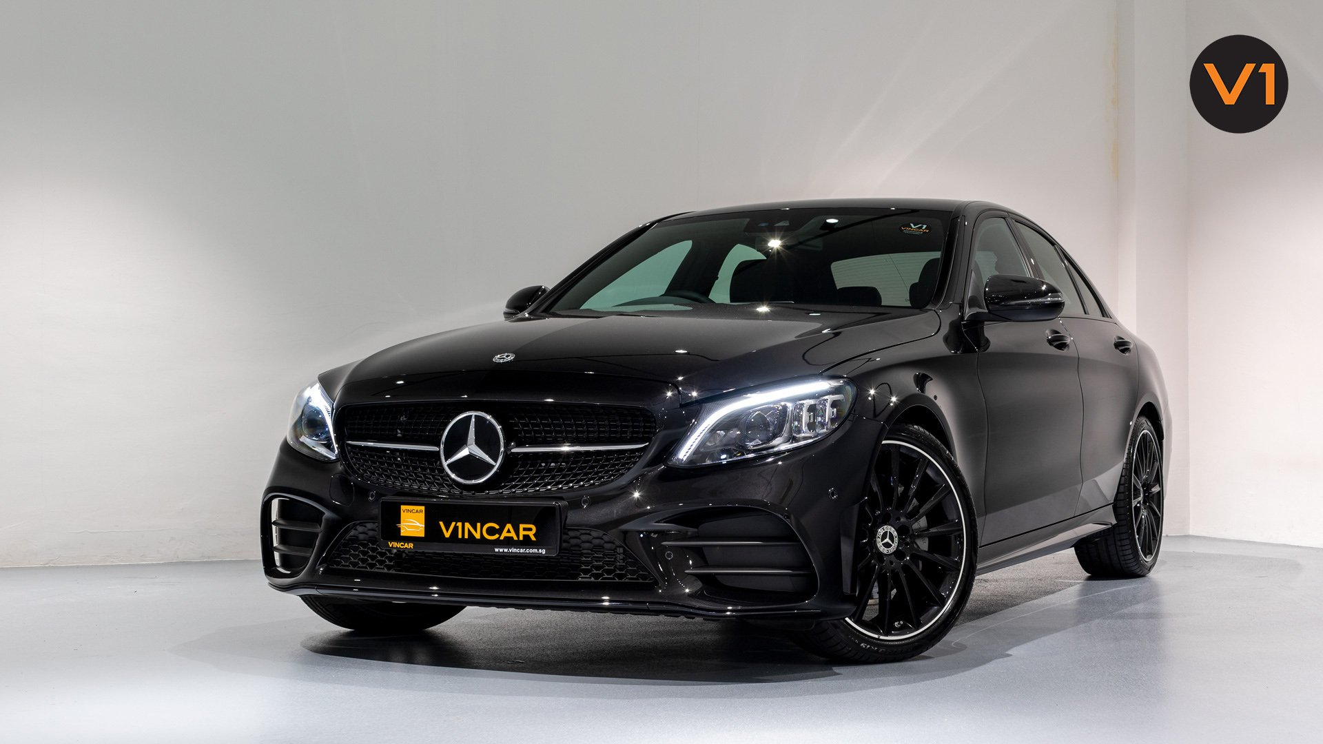 Mercedes-Benz C200 Saloon AMG Premium Night Edition - Front Angle 2