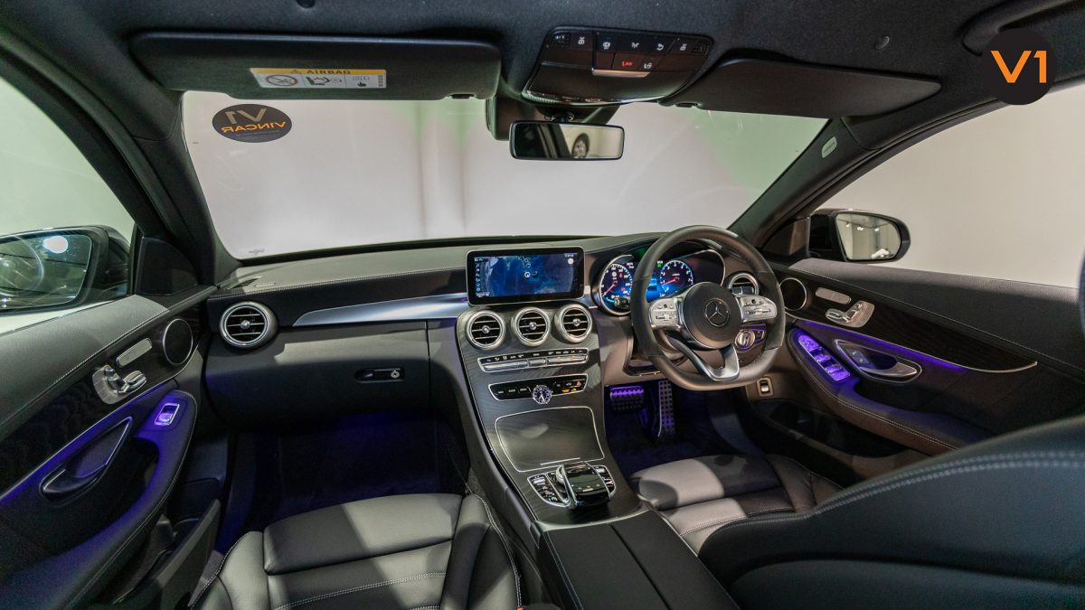 Mercedes-Benz C200 Saloon AMG Premium Night Edition - Interior Dash 2