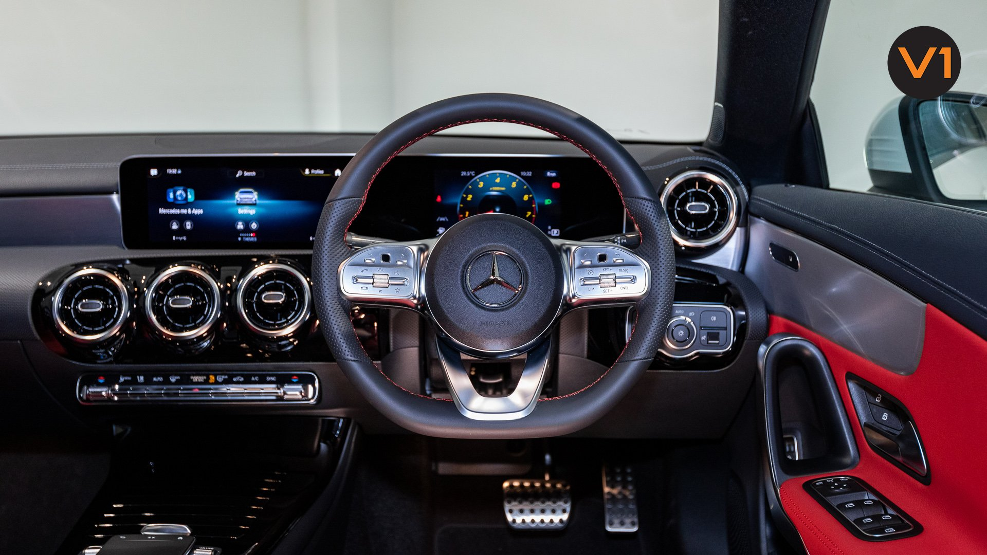 Mercedes-Benz CLA180 Coupe AMG - Digital Instrument Cluster