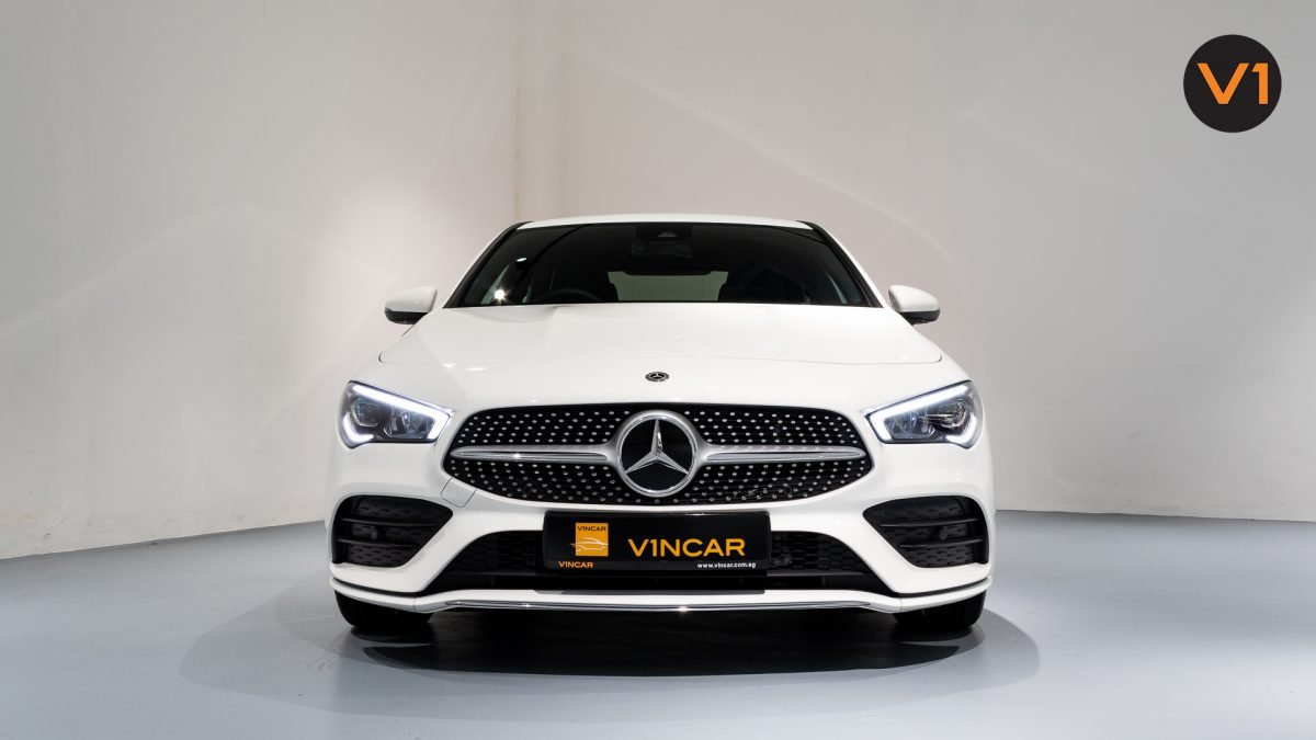Mercedes-Benz CLA180 Coupe AMG - Front Direct