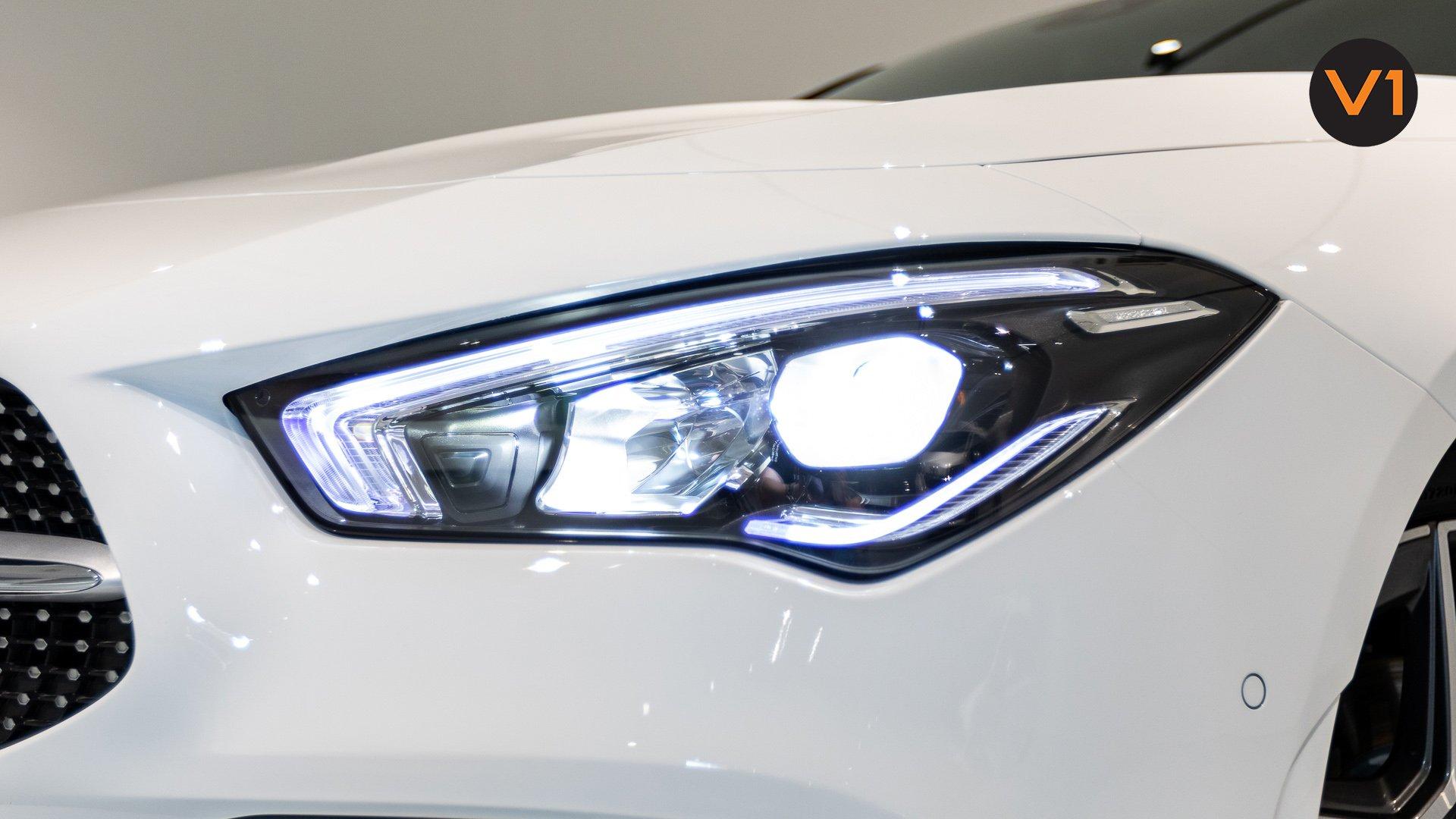 Mercedes-Benz CLA180 Coupe AMG - Headlamp