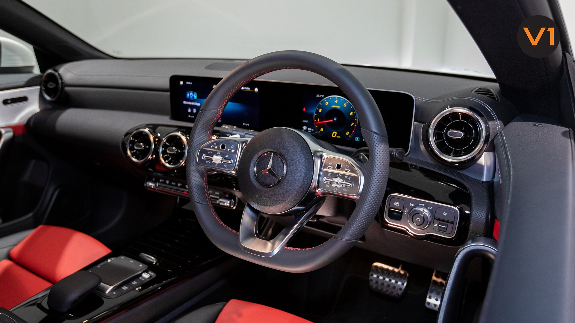 Mercedes-Benz CLA180 Coupe AMG - Steering Wheel