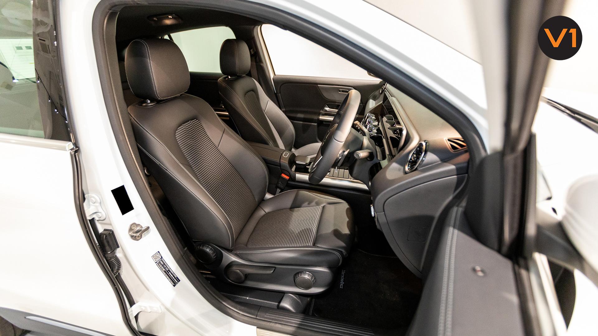 Mercedes-Benz GLA200 Sport Executive (FM2021) - Driver Seat