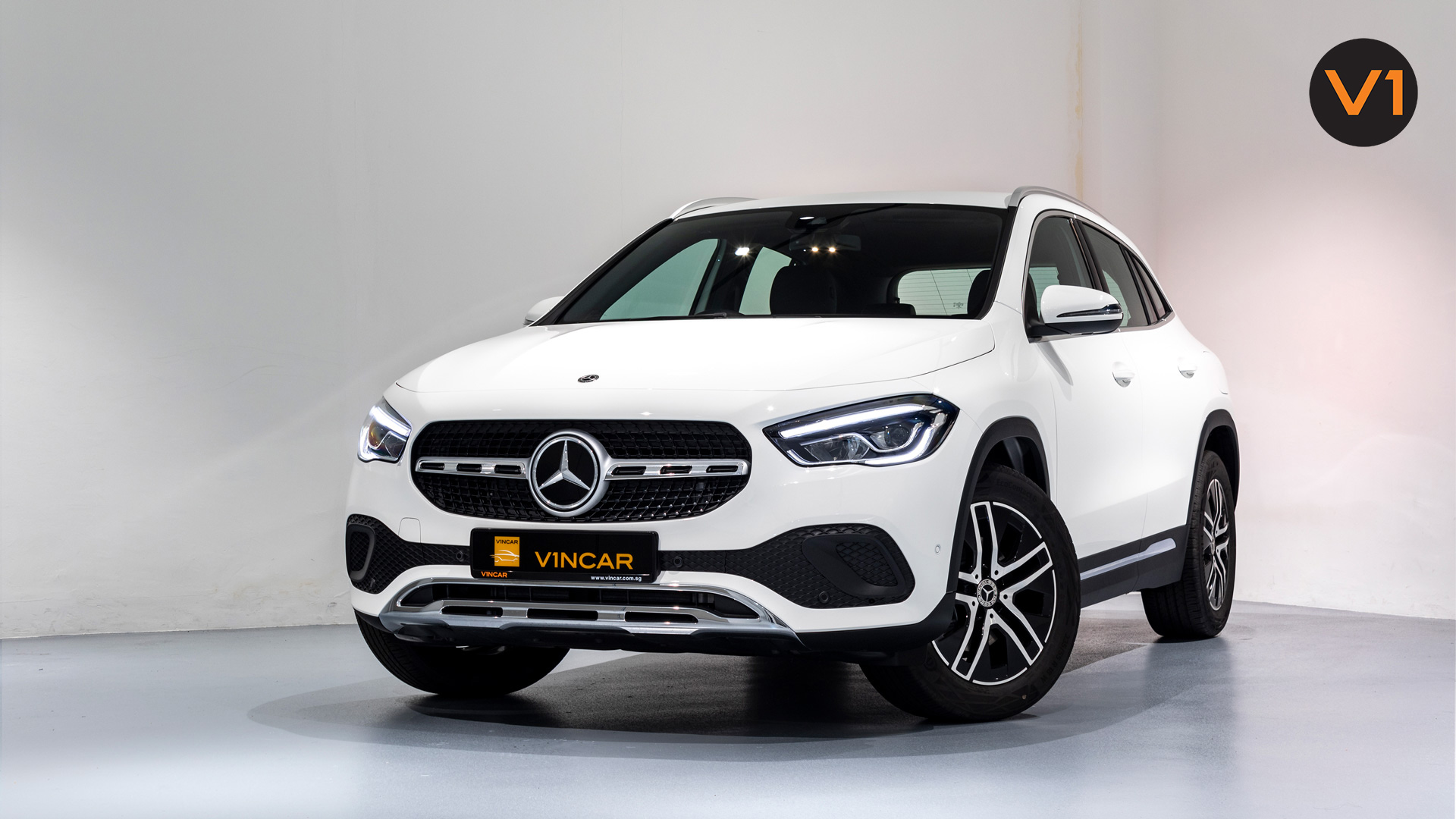 Mercedes-Benz GLA200 Sport Executive (FM2021) - Front Angle