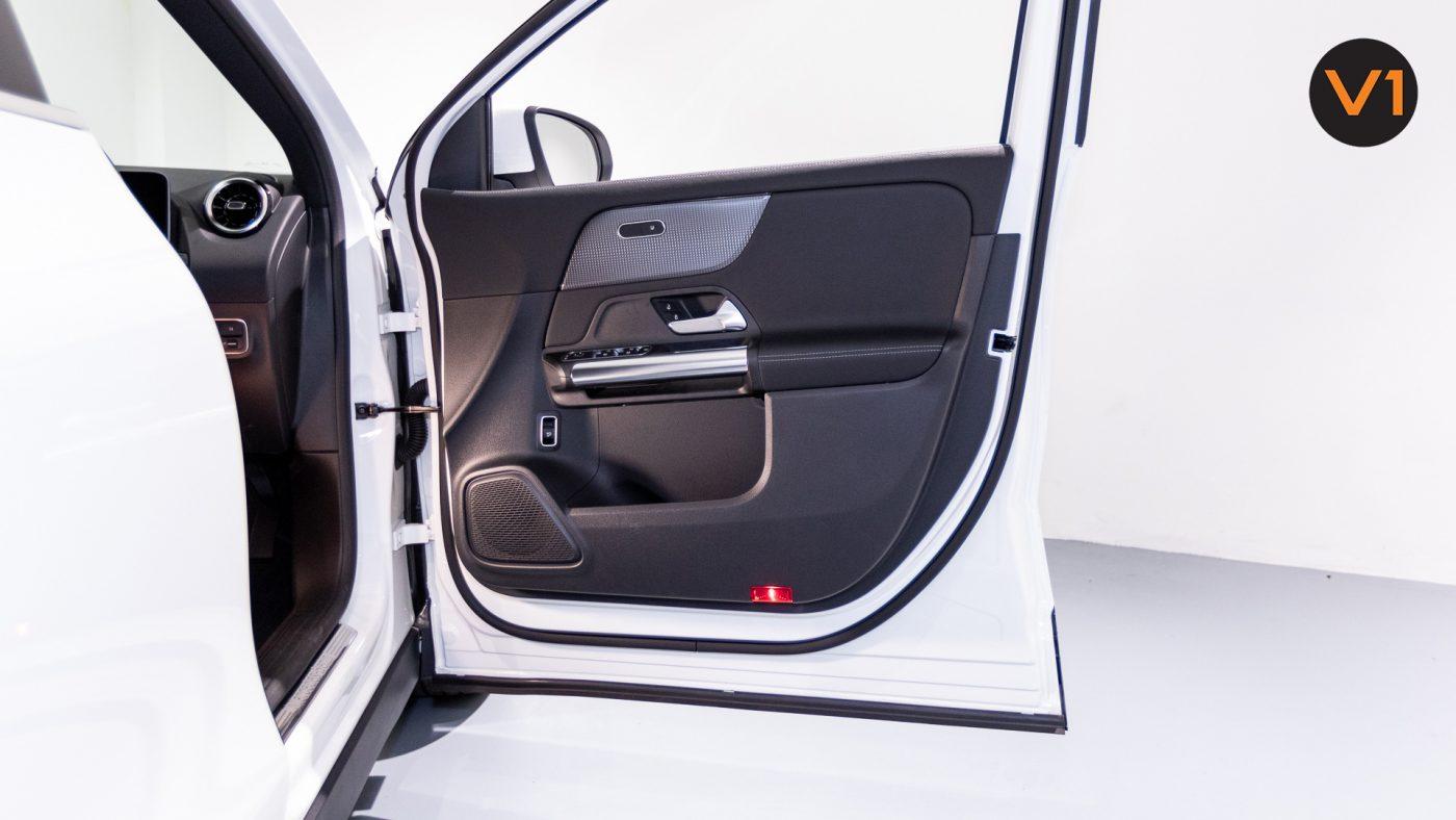 Mercedes-Benz GLA200 Sport Executive (FM2021) - Front Door