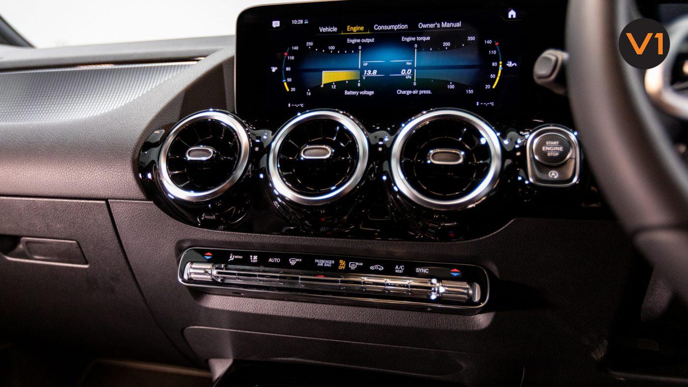 Mercedes-Benz GLA200 Sport Executive (FM2021) - HVAC System