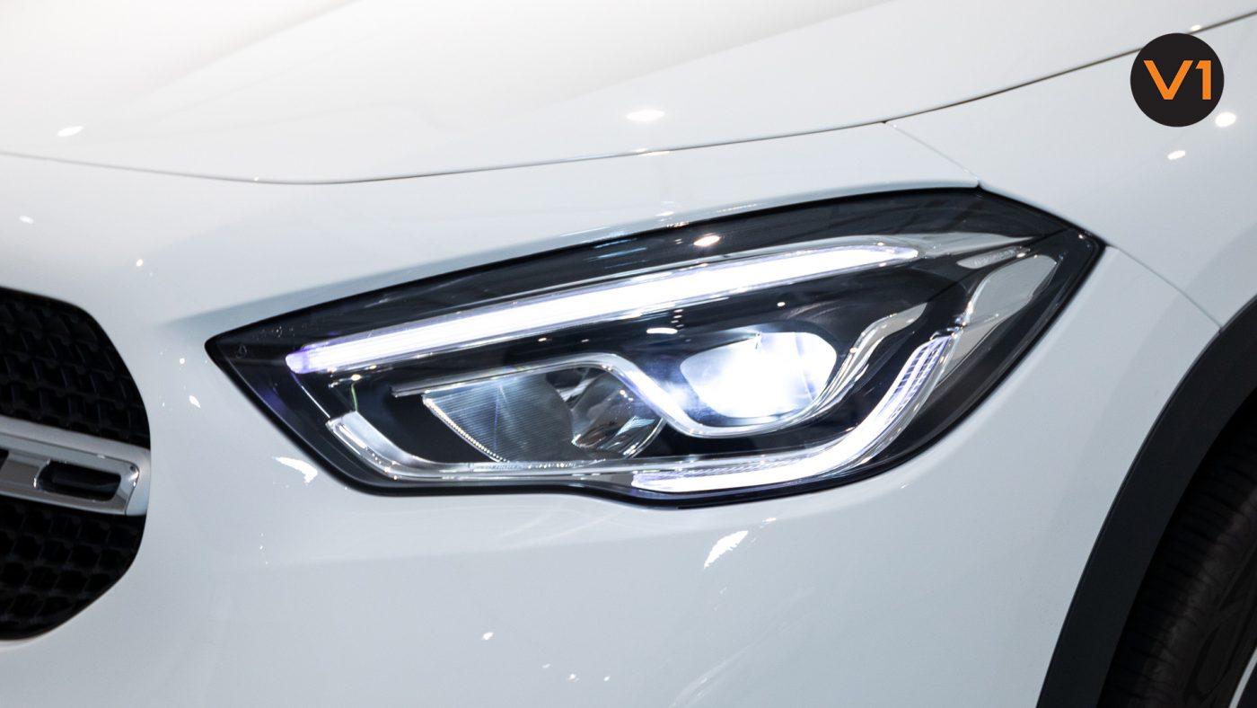 Mercedes-Benz GLA200 Sport Executive (FM2021) - Headlamp