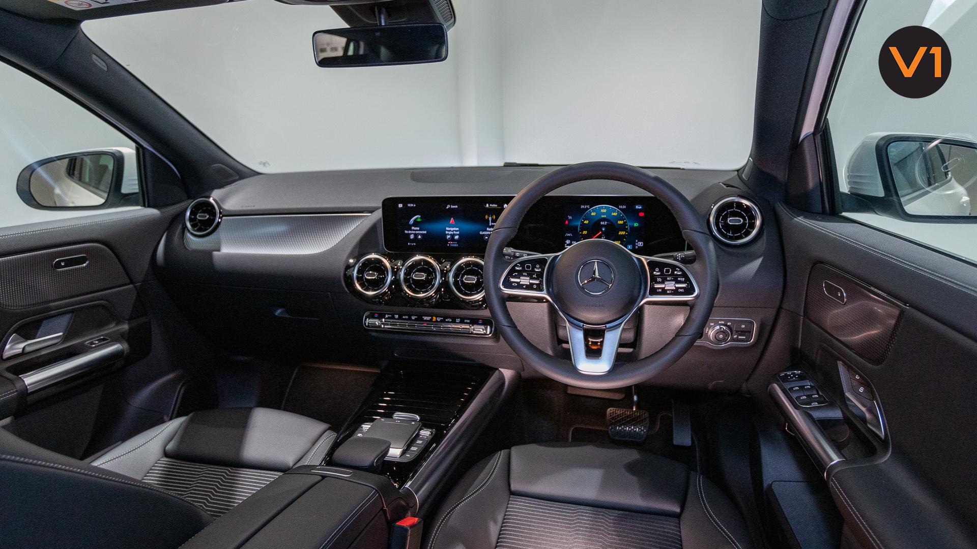 Mercedes-Benz GLA200 Sport Executive (FM2021) - Interior Dash