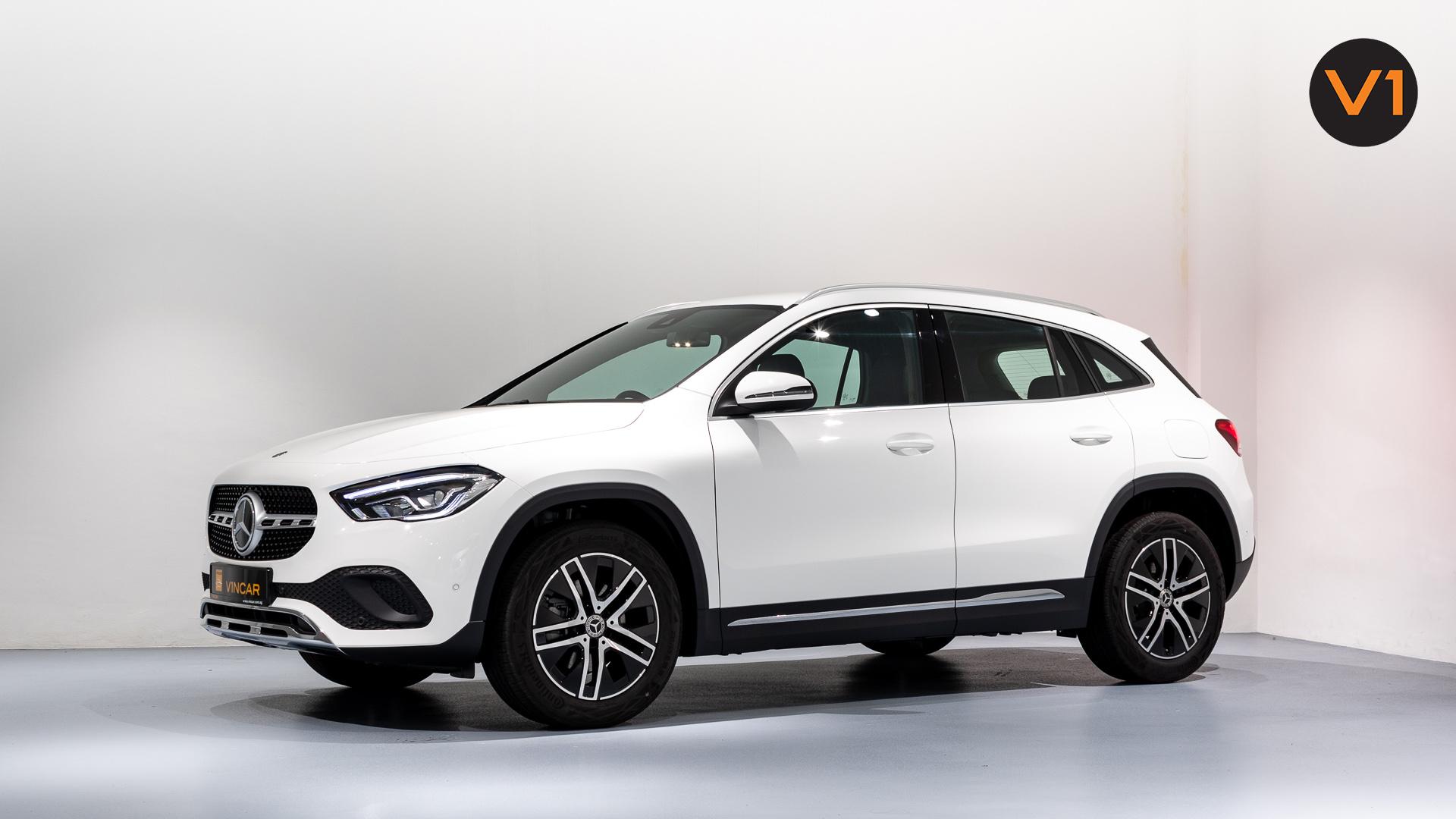 Mercedes-Benz GLA200 Sport Executive (FM2021) - Side Profile