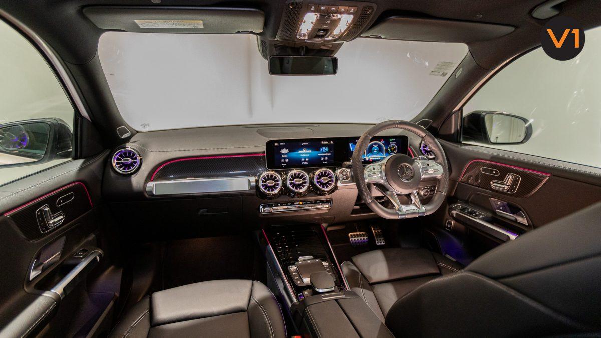 Mercedes-AMG GLB35 AMG 4MATIC Premium Plus - Central Dashboard