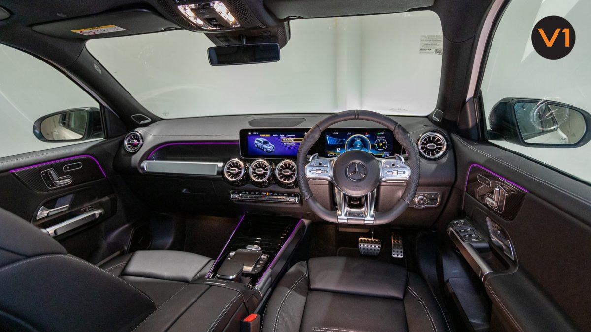 Mercedes-AMG GLB35 AMG 4MATIC Premium Plus - Interior Dash