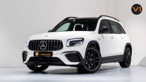 Mercedes-AMG GLB35 AMG 4MATIC Premium Plus - Front Side Angle