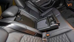 Audi RS 6 Avant - Cupholder