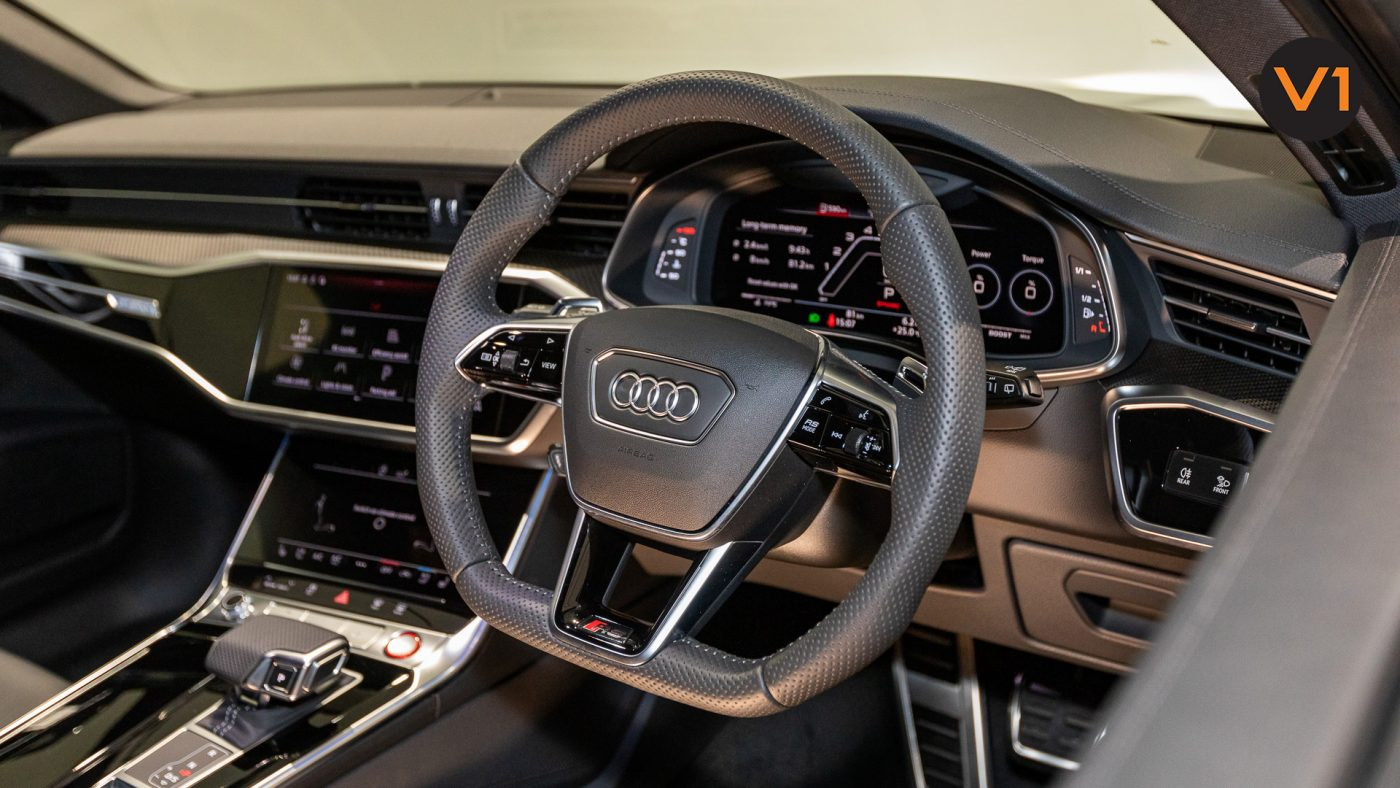 Audi RS 6 Avant - Multi-function Steering Wheel