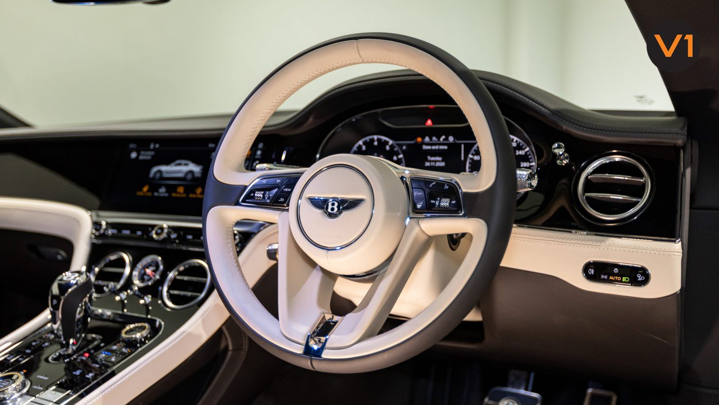 Bentley Continental GT Coupe V8 (Glacier White) - 3-Spoke Steering Wheel