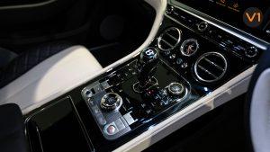 Bentley Continental GT Coupe V8 (Glacier White) - Center Console
