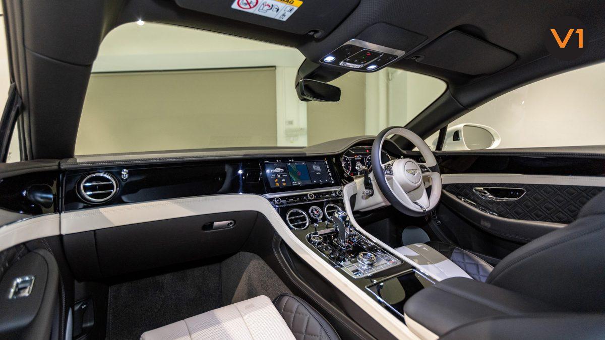 Bentley Continental GT Coupe V8 (Glacier White) - Interior Dash