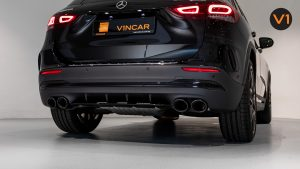 Mercedes-AMG GLA45 S 4Matic+ Plus - AMG-specific Dual-flow Exhaust Pipes