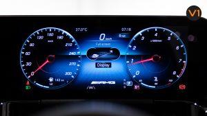Mercedes-AMG GLA45 S 4Matic+ Plus - Meter