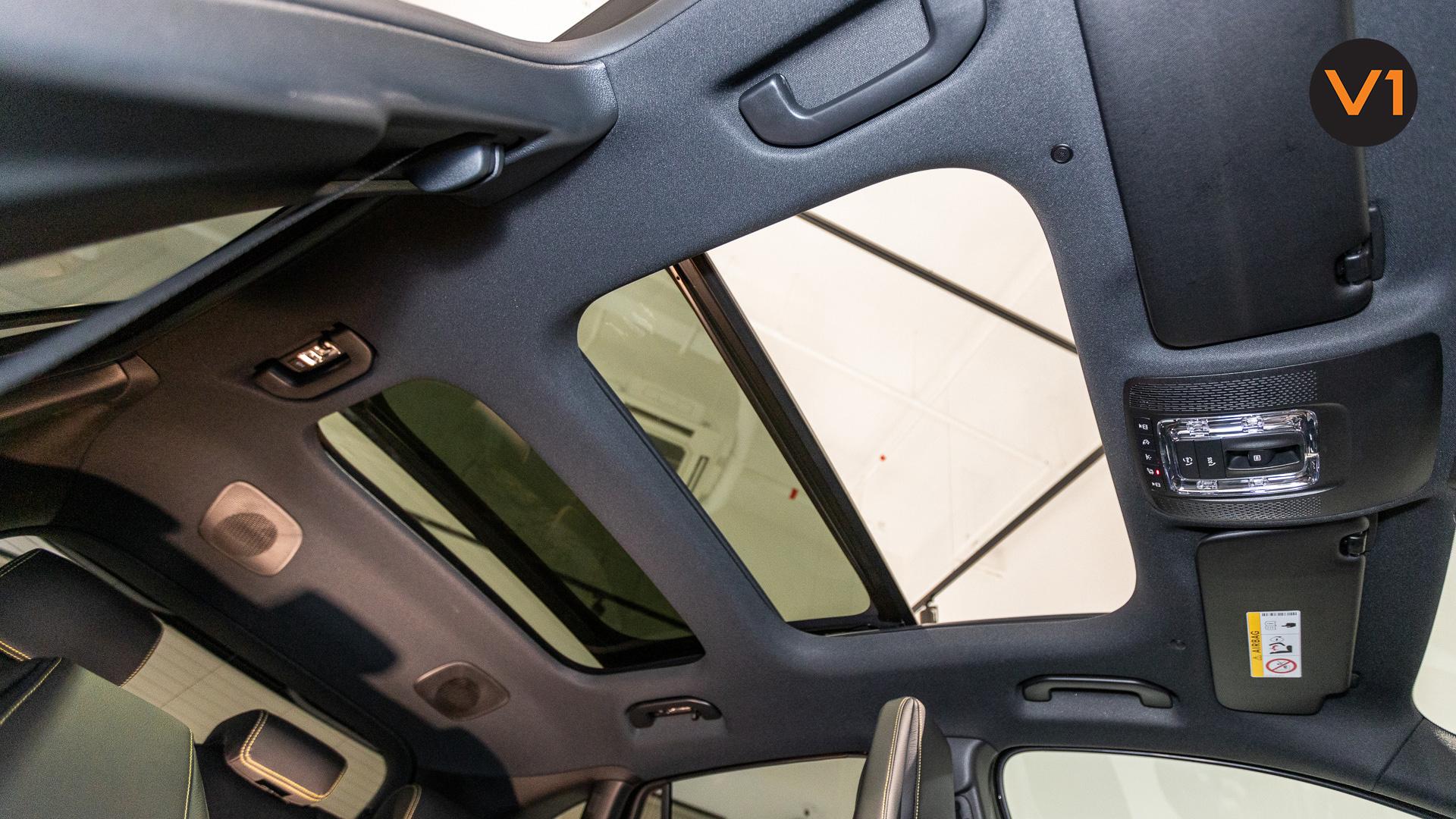 Mercedes-AMG GLA45 S 4Matic+ Plus - Panoramic Sunroof