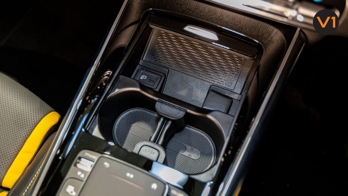 Mercedes-AMG GLA45 S 4Matic+ Plus - Wireless Charging