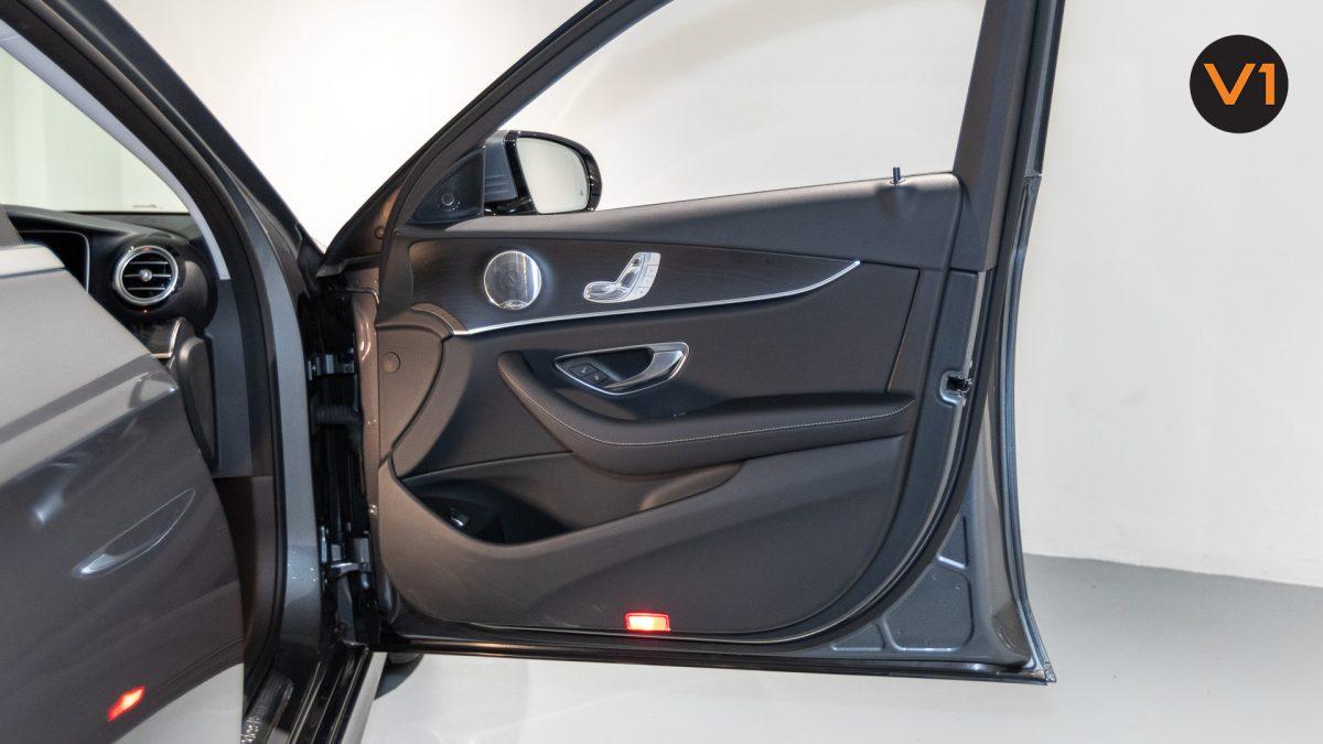 Mercedes-Benz E200 Saloon AMG Luxury (FL2021) - Front Door