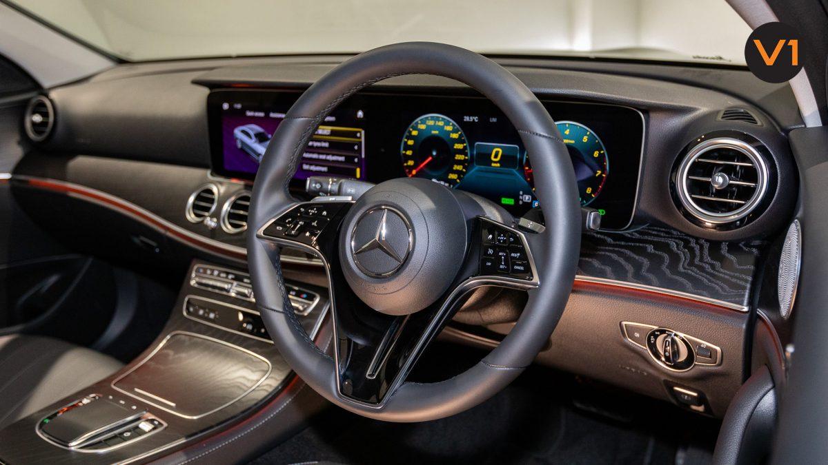 Mercedes-Benz E200 Saloon AMG Luxury (FL2021) - Steering Wheel